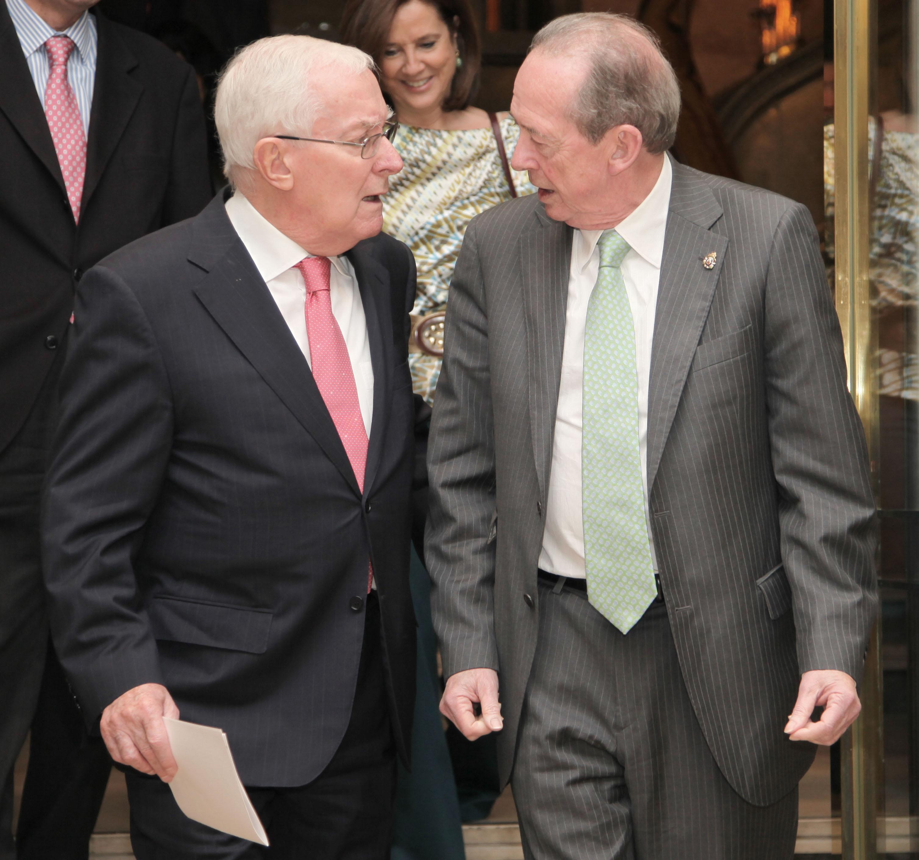 Victor García de la Concha con Jose Manuel Blecua, actual director de la Real Academia Española - Fotografías: instituto Cervantes